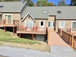 Updated townhome - Walking distance to Holiday Valley Ski Slopes!