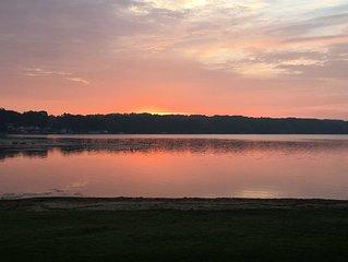 Kick back at this Chippewa lakefront cottage!