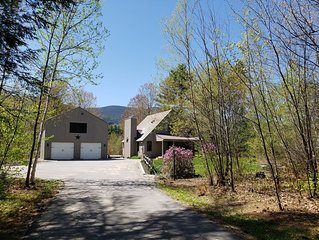 Private home in a peaceful setting with mountain views and 4 season activities