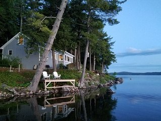 A perfect place for a couples getaway!  Picturesque Lakefront cottage.