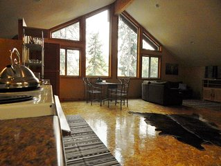 'The Farm'- Custom Studio Loft, 8 miles to Leavenworth