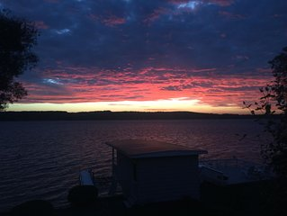Year round home with gorgeous sunsets, 4 miles from Skaneateles village