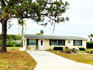 Waterfront with dock, 2 bed 2 bath, Gulf access, beaches nice quite neighborhood