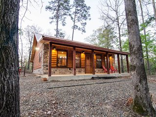 Hickory Moon - 1 Bedroom Couples Cabin near Beavers Bend Park