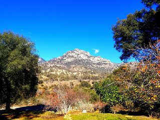 Sequoia National Park - Beautiful Spacious Mountain Home 1/2 mile from Gate!
