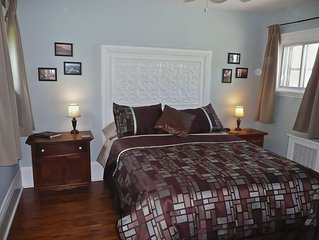 Self contained, 1 bedroom flat in downtown Stratford.