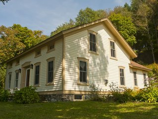 Beautiful Moderized Farmhouse Minutes from Cooperstown