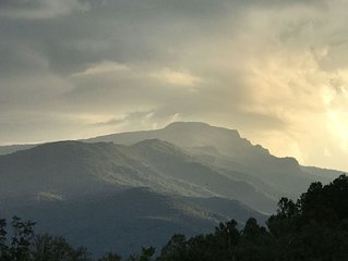 Echota-An Appalachian Mtn. retreat views of Grandfather Mountain/Blue Ridge Mtns