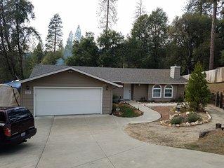 Riverside Manna, 'Gateway to Beautiful Yosemite Valley' Modern 3bd/2 ba cottage
