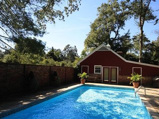 Charming Cottage on South Boundary with pool