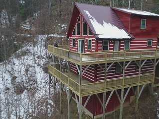 Stunning Cabin Between Boone, Blowing Rock, and Banner Elk, Wifi, Pool Table!