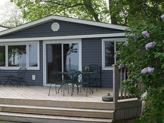 Lakefront Cottage with Private Beach, in beautiful Grand Bend
