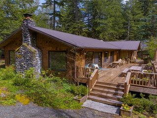 Amazing Two Building Cabin, Sleeps 2-10, Hot Tub