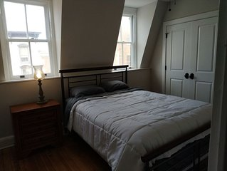 Quiet Renovated Historic Condo Above Abolitionist Ale Works w/ Washer Dryer #301