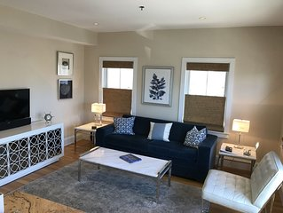Chic and modern 1-bedroom, town center, water view, parking