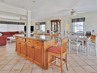 Amazing family rental - 4BR/2BA, huge backyard & 5 houses from beach