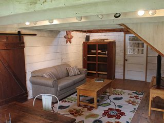 Remodeled Cottage only steps away from Sister Bay!