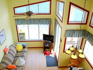 Fabulous Boathouse on the Shuswap - ideal for a Family or Romantic Getaway!