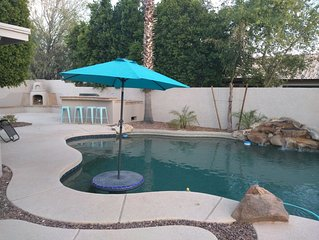 NE Mesa 6 brm 4 bath Sleeps 16, Heated Pool