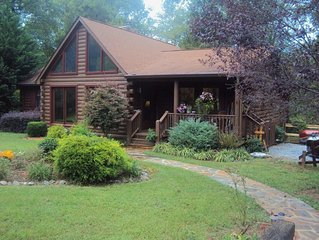 River front log home 3 miles from Tryon Equestrian Center, gated community