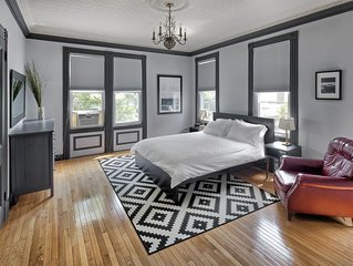 Spacious 4 bdrm Townhouse - 10 minutes to Times Square NYC