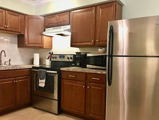 Walk to the Beach! 4 Blocks from Venice Beaches - Newly Remodeled w/ Patio
