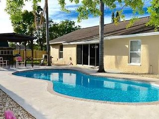 3 bed 2 bath heated pool, sleeps 8 ,Beaches, IMG, Museums