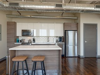 Modern 1bd in the Core of DOWNTOWN!