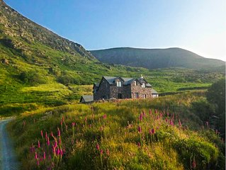 Explore the Ring of Kerry and Wild Atlantic Way