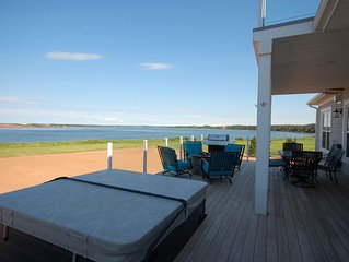 5 Star PEI Summer Waterfront Home