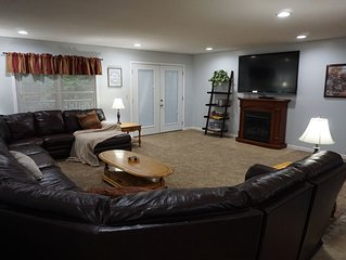 Spacious upstairs 4 bedroom, 1 bath, with full kitchen Cabin
