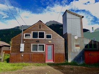 Stellar Cottage in Downtown Silverton