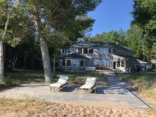 Snowmobilers paradise! Hamptons of the UP