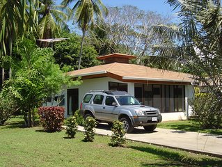 Gorgeous 2 bedroom cottage with ocean view in Costa Rica