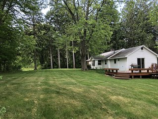 Ruby's Retreat - 2BR cottage in Sawyer near Warren Dunes