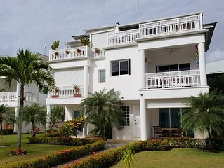 Beachfront Paradise 1 bedroom condo, 50 meters from Playa Popy, sleeps up to 4