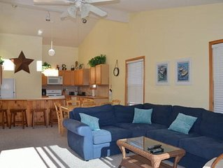 Four Bedroom, Two Bath Townhouse, Walking Distance To Beach And Center Of Town
