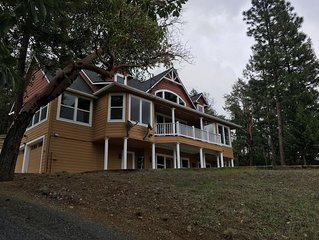 Beautiful Mountain Home with Expansive Views of Wooded Hillsides, Quiet Valley