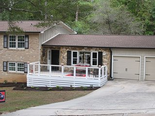 **9 Min. to STADIUM** Renovated UGA Inspired Home + RV Parking--See Description