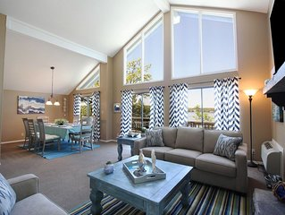 5 Bedroom Waterfront Home Hot Tub in Tan Tar A next to Margaritaville. Sleeps 26