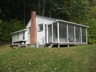 Great cottage to unplug and relax on the lake - Sleeps 6