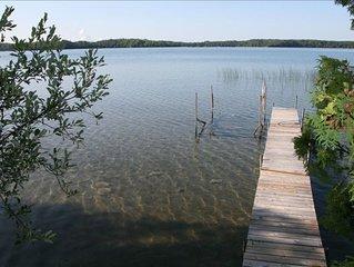 Charming Lake Cottage on Deer Lake