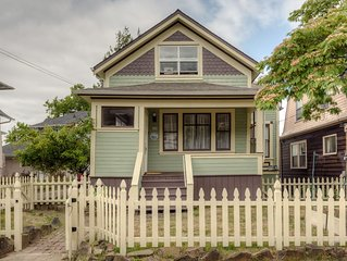 Historic Victorian House in the Heart of downtown Astoria