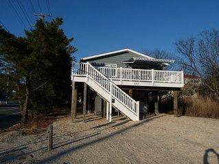 Terrific Oceanblock Property, 6 Houses from Beach!