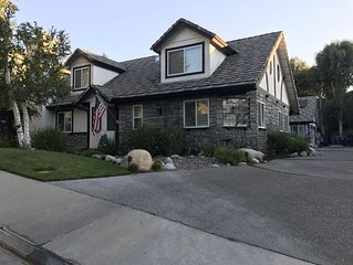 Huge gorgeous home in Santa Clarita near many So Cal Attractions.
