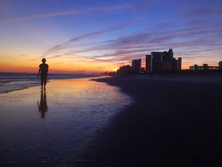 2 Bedroom Lakeside Condo 5 Min Walk To The Beach