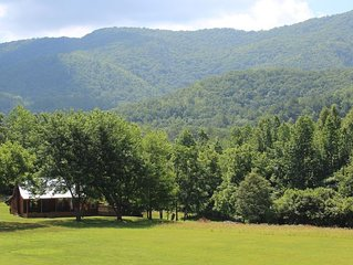 Modern Rustic Cabin on 5 acres in Cherokee National with amazing mountain Views!