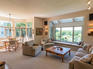 Spacious, Lake View Condo Near Tanglewood in the Heart of the Berkshires!