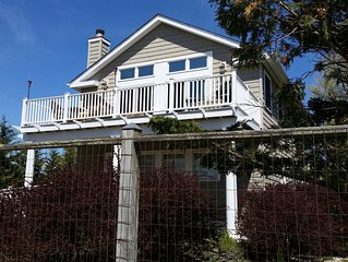 Family Rental , Kismet , Fire Island  Modern 4 Bedroom / 2 Bath  Home