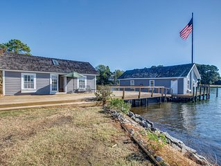 Waterfront Cottage in the Heart of Irvington Near Tides Inn Resort